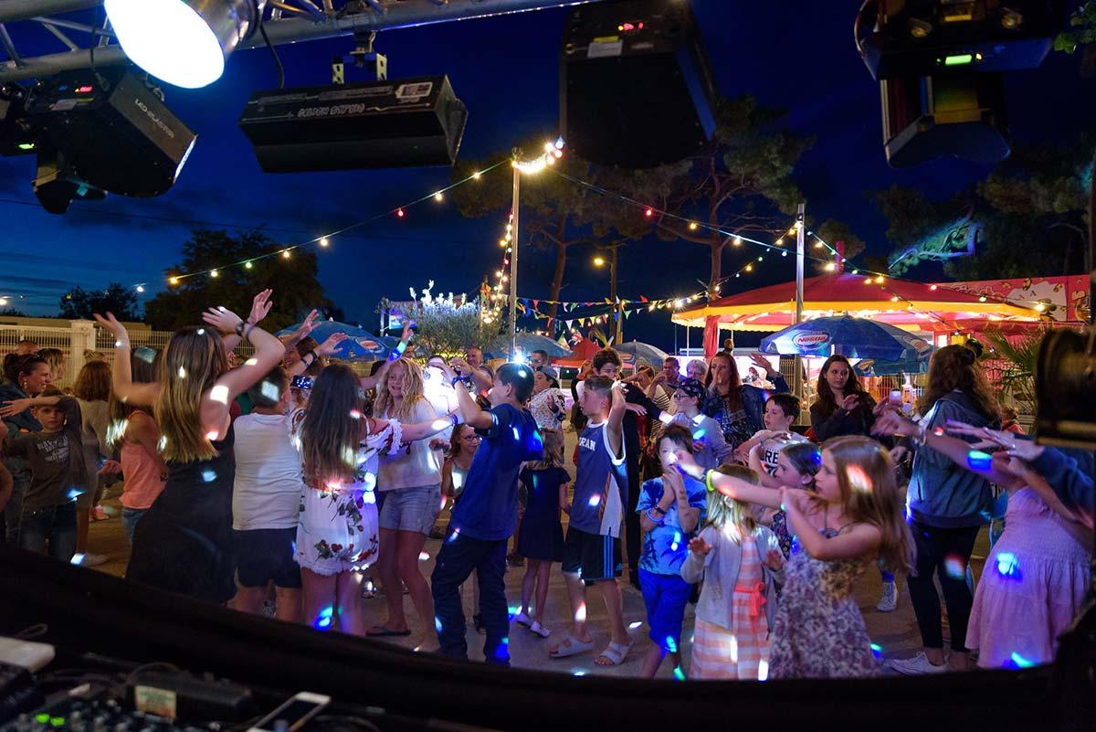 bar soirée disco camping